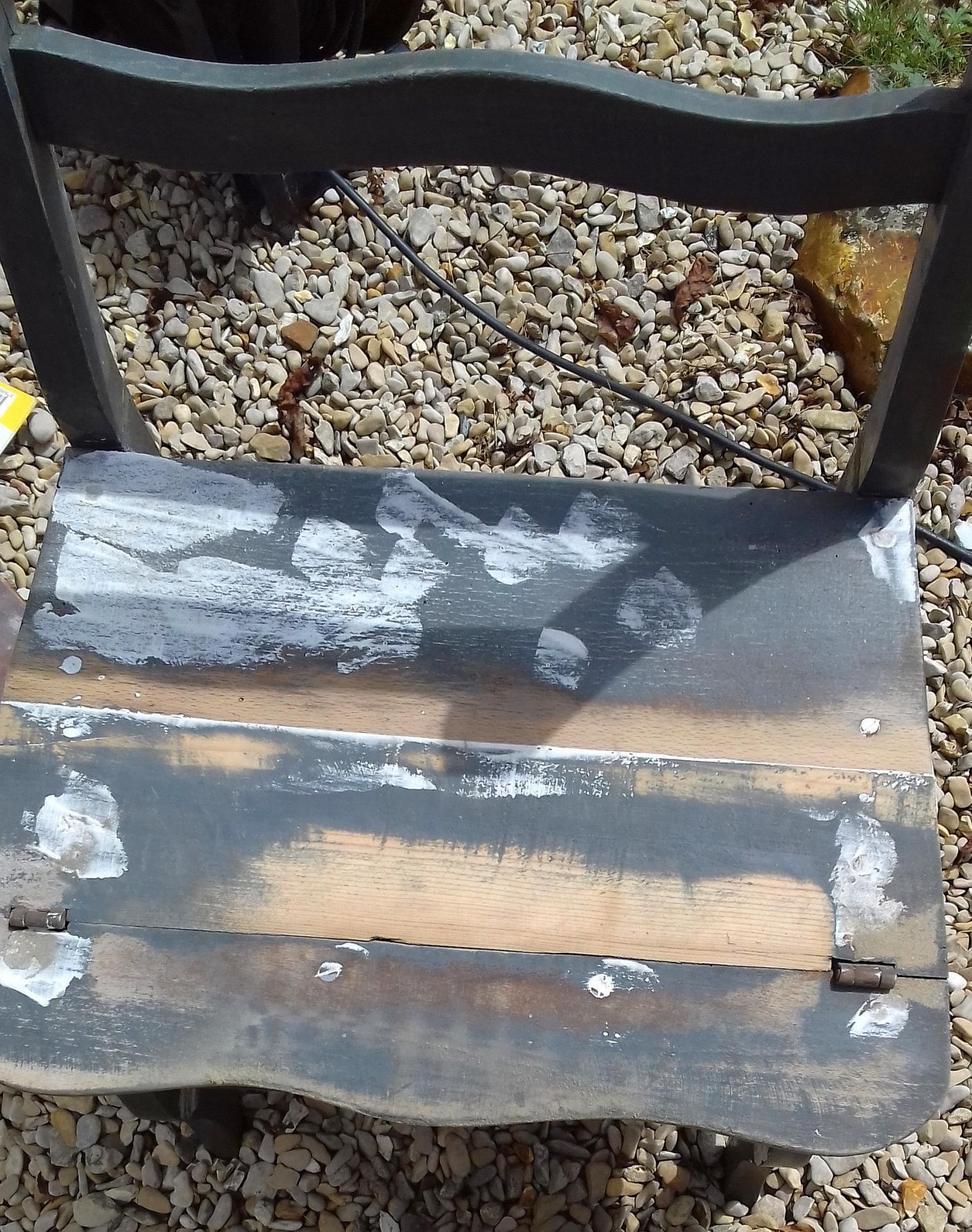 chaise escabeau rebouchage